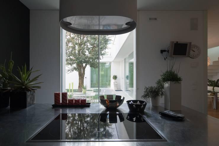 Kitchen by ALDENA, Modern