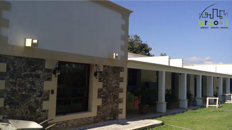 Casas de estilo  por ARCO +I