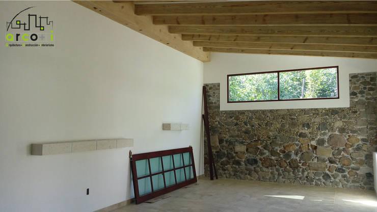 Casa de Descanso y Temazcal: Salas de estilo  por ARCO +I