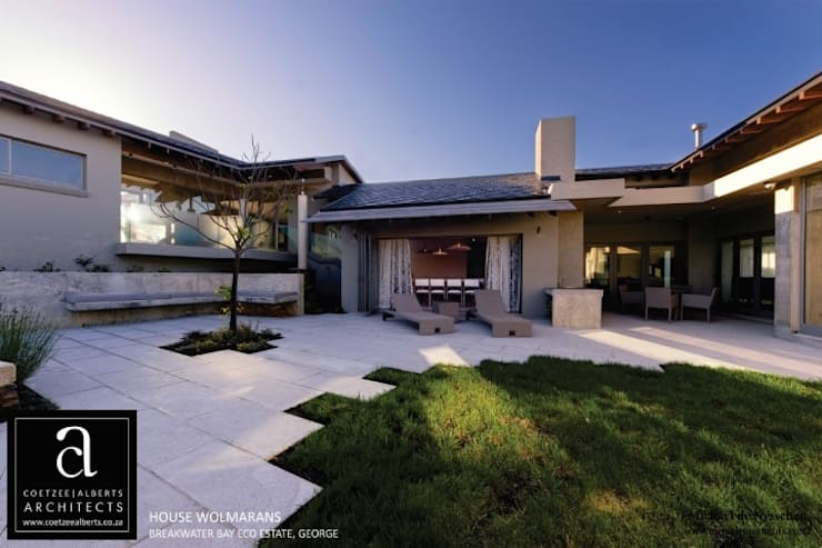 House Wolmarans:  Houses by Coetzee Alberts Architects, Modern