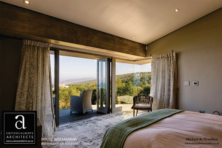 House Wolmarans:  Bedroom by Coetzee Alberts Architects
