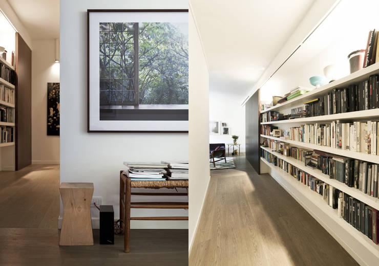 Corridor, hallway by Fabio Azzolina Architetto