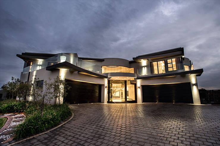 Residence Calaca:  Houses by FRANCOIS MARAIS ARCHITECTS, Modern
