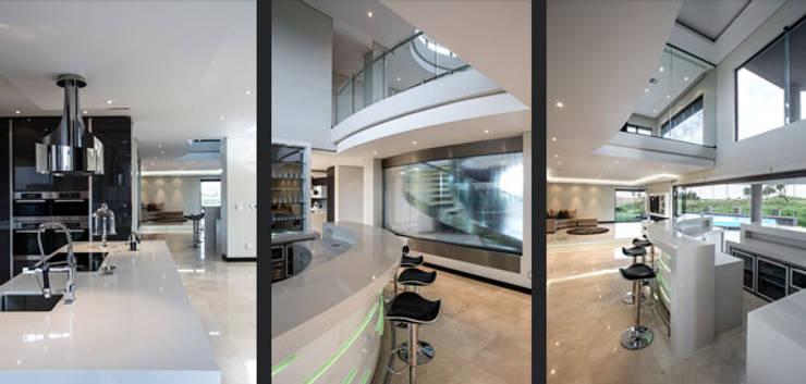 Residence Calaca:  Kitchen by FRANCOIS MARAIS ARCHITECTS, Modern