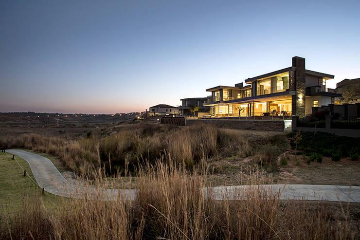 Casas de estilo moderno por FRANCOIS MARAIS ARCHITECTS