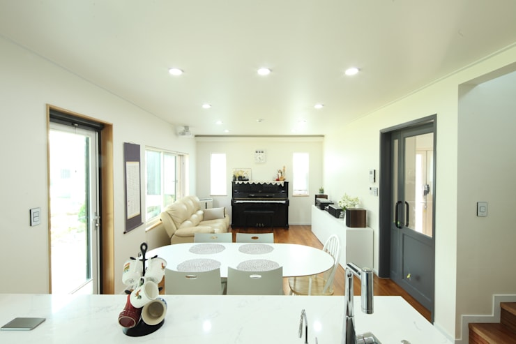 송현리 주택: 위드하임의  주방