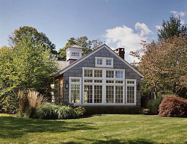Quogue Beach House Addition:  Houses by Lorraine Bonaventura Architect