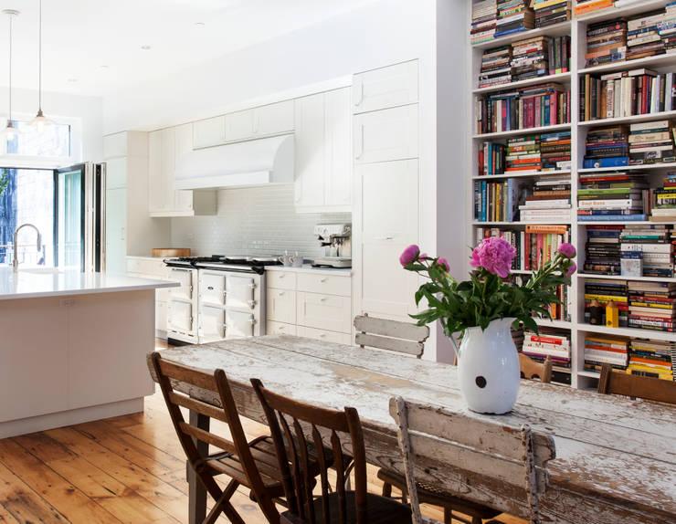 Brooklyn Brownstone:  Kitchen by Lorraine Bonaventura Architect