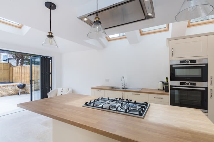 New Home Before Wedding. Wimbledon, SW19: modern Kitchen by TOTUS