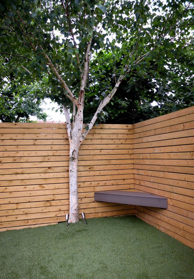 Garden by Yorkshire Gardens, Minimalist Wood Wood effect