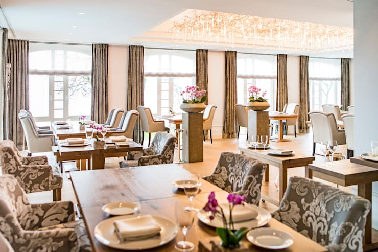 Luxury Hotel Project in German: Hotéis  por Serip