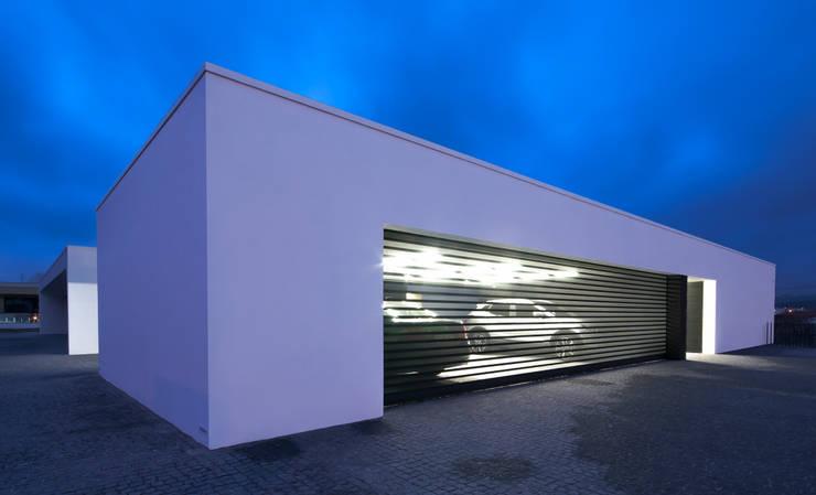 Double Garage by ARTEQUITECTOS