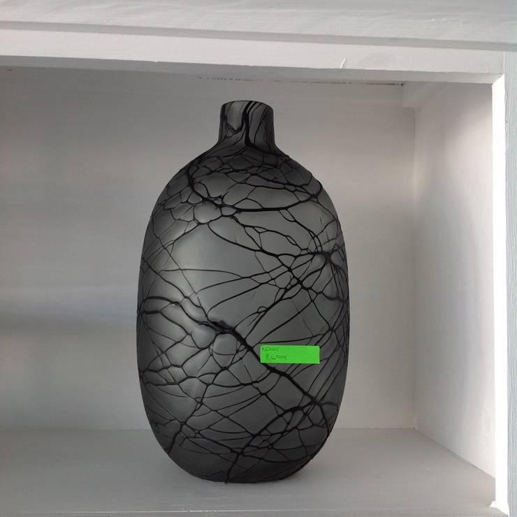Vases:  Living room by Zoë Décor