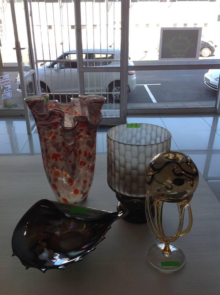 Vases: classic  by Zoë Décor , Classic