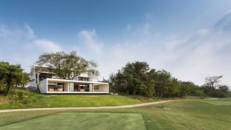 Casas de estilo  por Yucatan Green Design