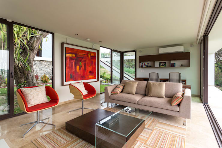 Oficinas de estilo minimalista por Yucatan Green Design