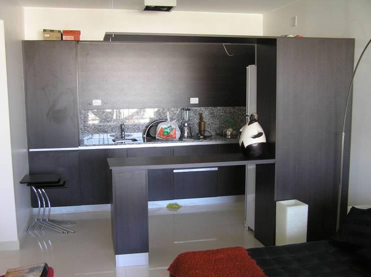 Arquitectura interior : Cocinas de estilo  por Alvarez Farabello Arquitectos,