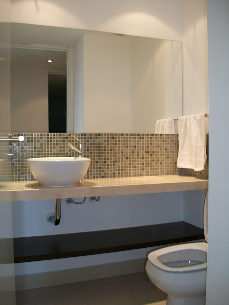 Arquitectura interior : Baños de estilo  por Alvarez Farabello Arquitectos,