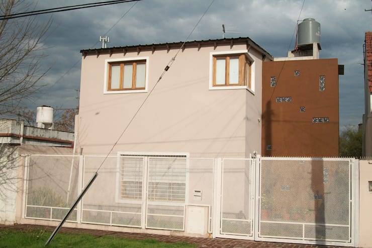 Houses by Alvarez Farabello Arquitectos
