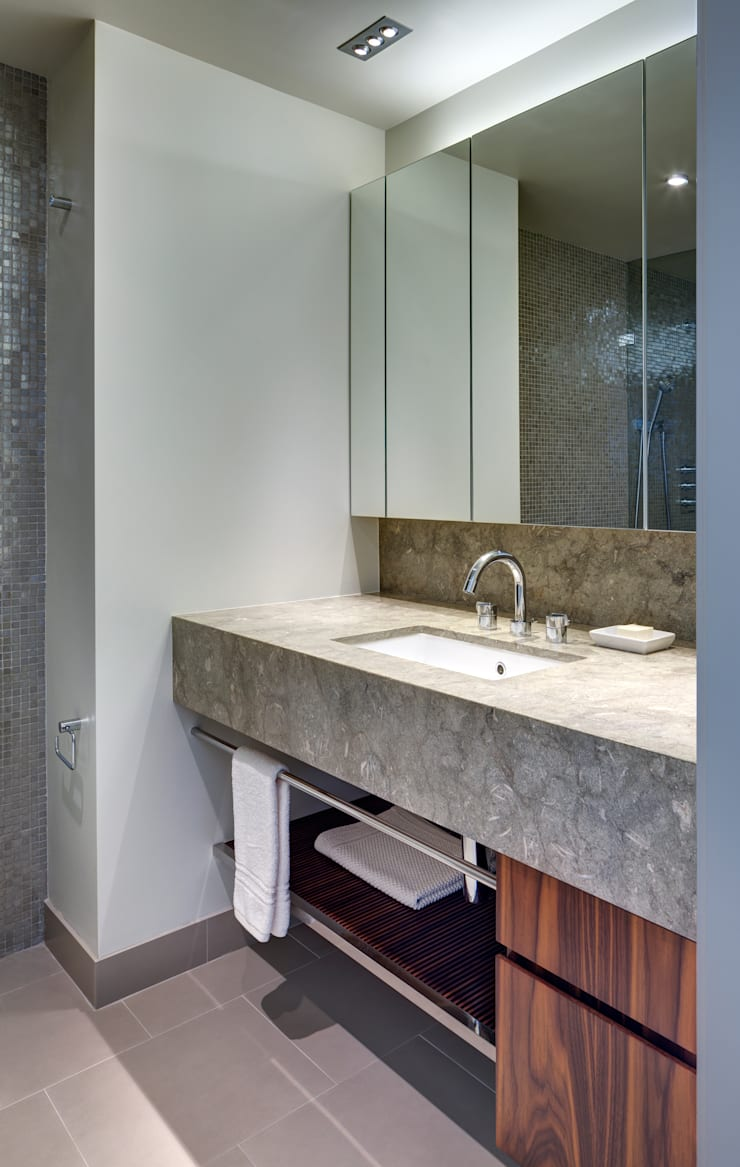 Richman Duplex Apartment, New York:  Bathroom by Lilian H. Weinreich Architects