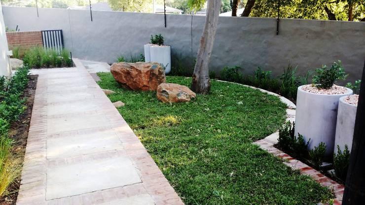Menlo Park:  Garden by Gorgeous Gardens