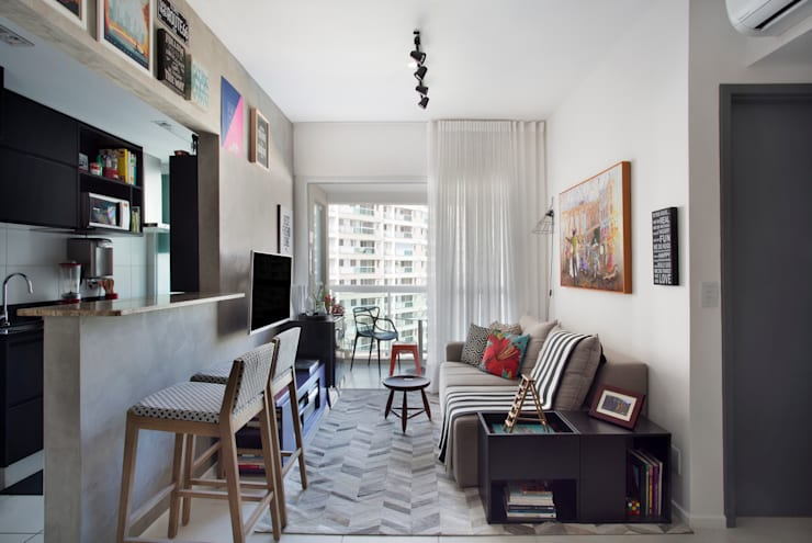 客廳 by Carolina Mendonça Projetos de Arquitetura e Interiores LTDA