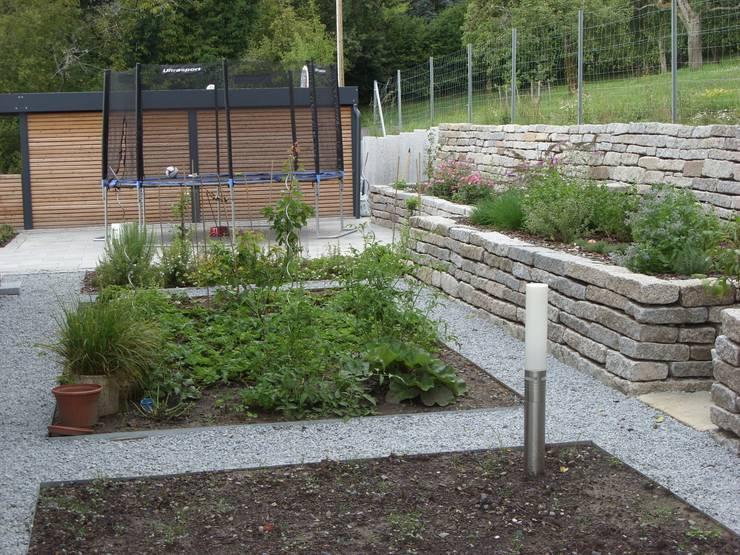Der Nutzgartenbereich am Hauseingang:  Garten von KAISER + KAISER - Visionen für Freiräume GbR