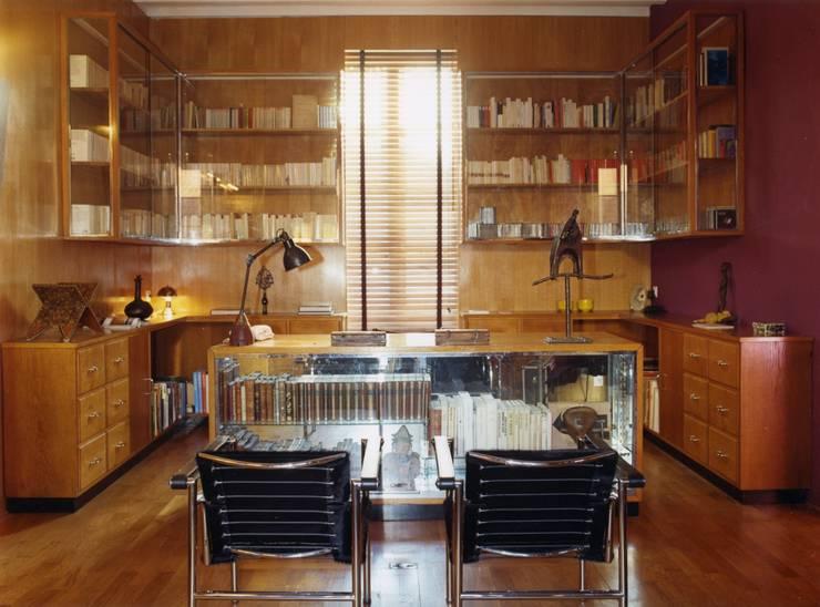 Estudios y despachos de estilo  por Agence d'architecture intérieure Laurence Faure