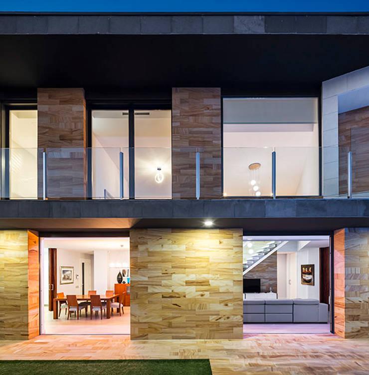 Exterior view โดย 08023 Architects โมเดิร์น