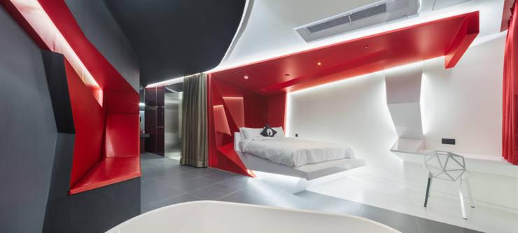 Libertango(Hotel The Designers Gangnam 1706): Seungmo Lim의  침실,