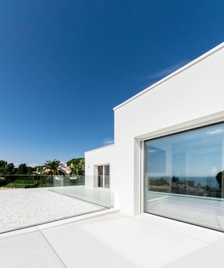 Herrero House โดย 08023 Architects เมดิเตอร์เรเนียน