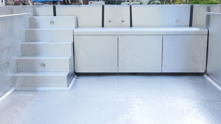 Albercas de estilo moderno por Hesselbach GmbH