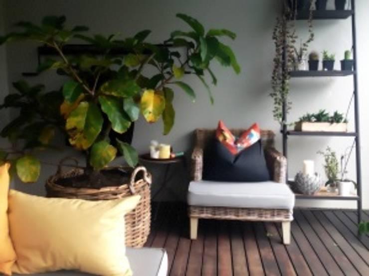 Teras oleh Margaret Berichon Design, Klasik Kayu Wood effect