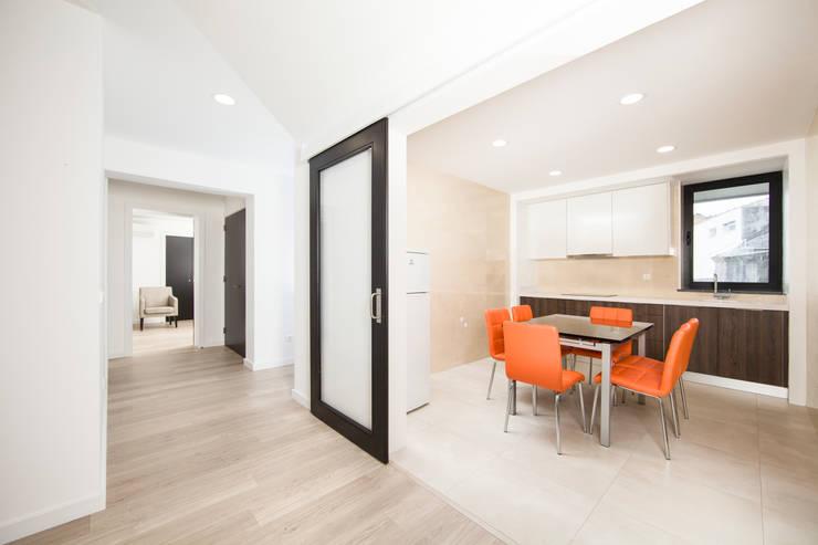 廚房 by X|A - Arquitetura e Turismo, Lda