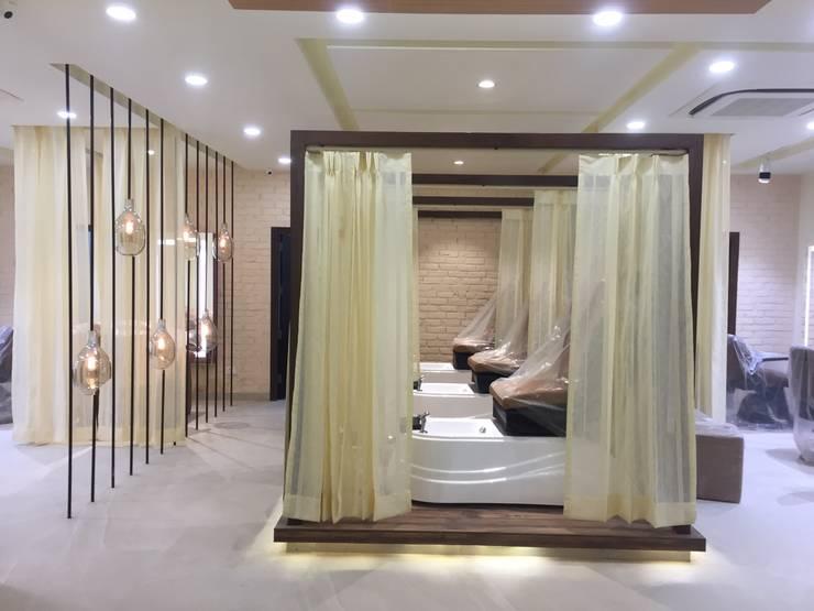 MAGNIFIQUE Salon, Defence Colony, New Delhi:  Spa by Centroid Plus