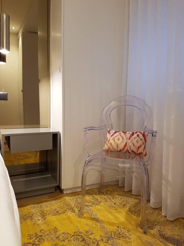 Quarto Hóspedes Depois:   por Alma Braguesa Furniture