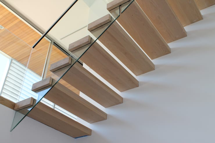 Corridor & hallway by EeStairs | Stairs and balustrades, Minimalist Wood Wood effect