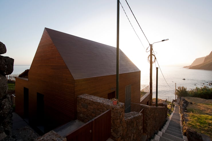 Exterior_Final de Tarde: Hotéis  por Mayer & Selders Arquitectura