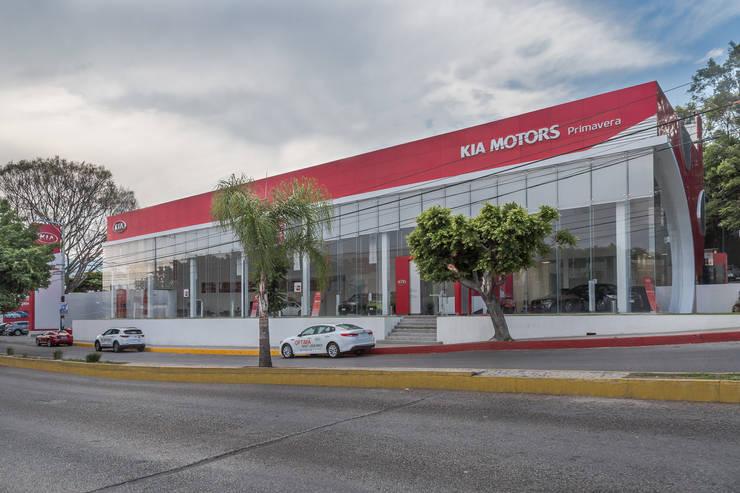 KIA Primavera: Concesionarias de automóviles de estilo  por PHia