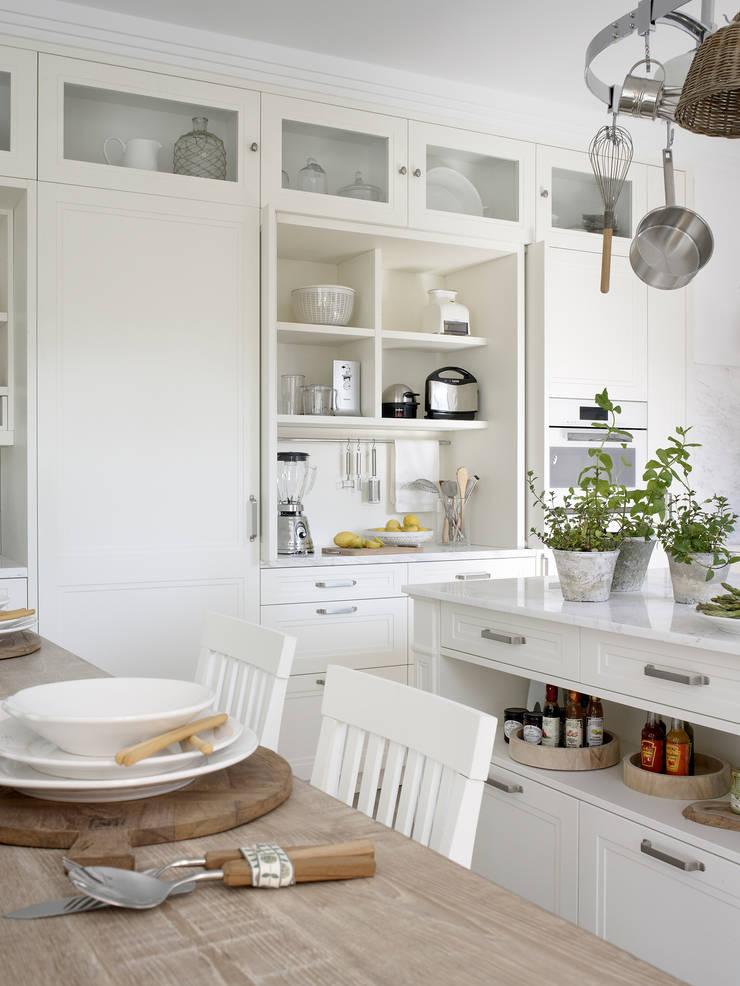 rustikale Küche von DEULONDER arquitectura domestica