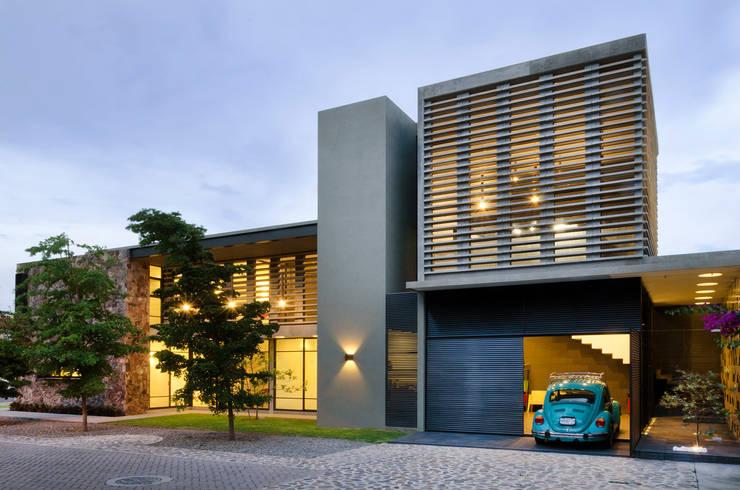 Maisons de style  par VMArquitectura, Moderne Béton