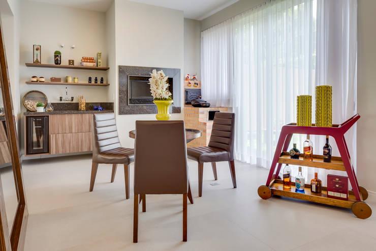 ห้องนั่งเล่น by Angelica Pecego Arquitetura