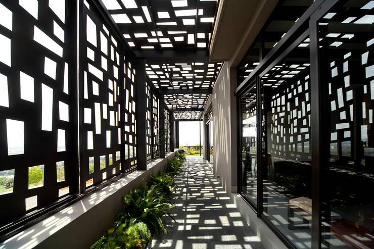 Corridor & hallway by VMArquitectura