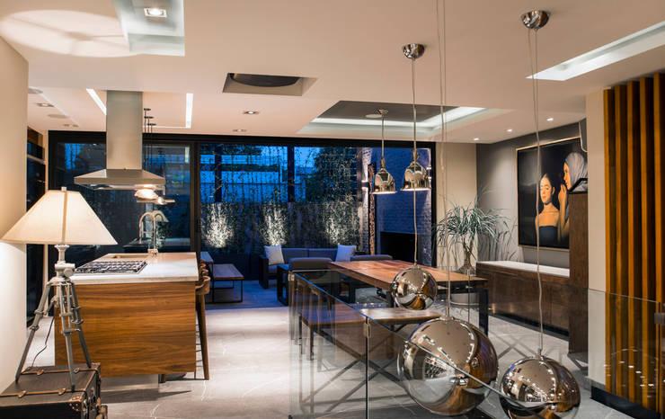 La Fontaine : Comedores de estilo  por Sobrado + Ugalde Arquitectos