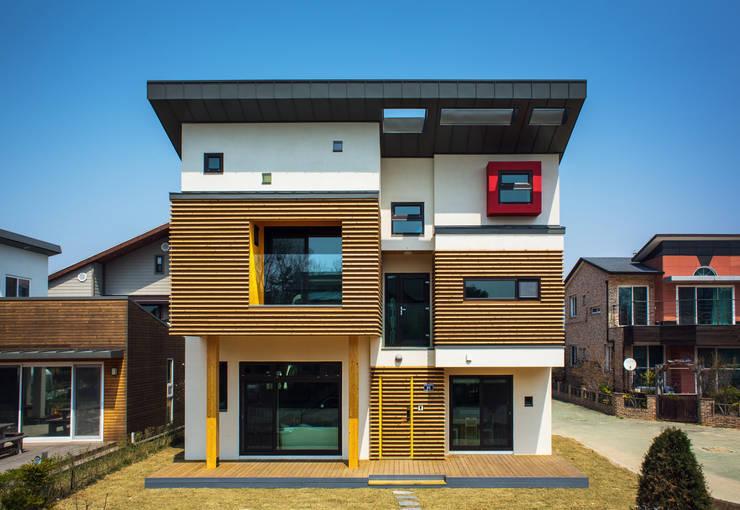 영종도 북 하우스: KDDH Architects의  주택