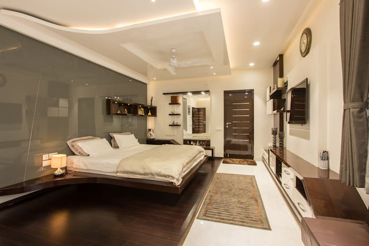 Contermporary Elegance:  Bedroom by A360architects