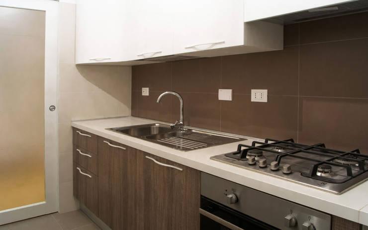 Cocinas de estilo moderno por CAFElab studio