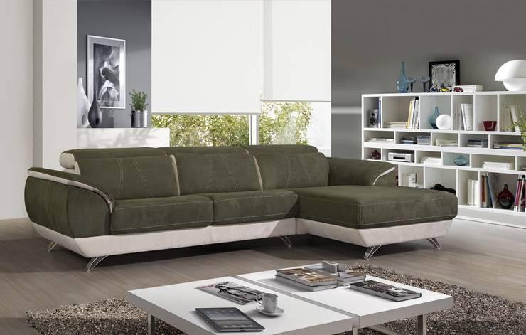 Sofás com chaiselong Sofas with chaiselong www.intense-mobiliario.com  SENNAC http://intense-mobiliario.com/pt/sofas-c-chaiselong/10082-sofa-c-chaiselong-sennac.html: Sala de estar  por Intense mobiliário e interiores;