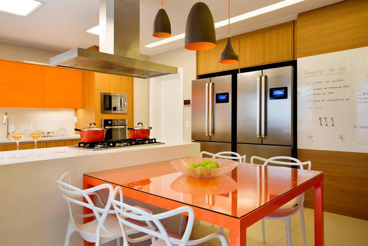 Cocinas de estilo  por Amanda Miranda Arquitetura