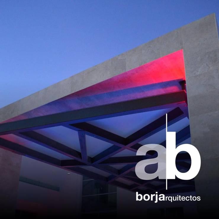 Lomas de Angelopolis, Puebla Blanca: Terrazas de estilo  por Borja Arquitectos